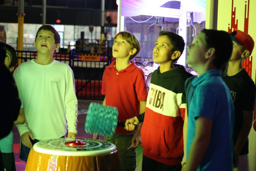Save $3 1 Shared Race Reservation and 1 VR Session (Ages 8-12, Mon-Thu)