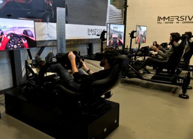 Ultiem cadeau voor een autoliefhebber - Sim racen in geavanceerde simulatoren
